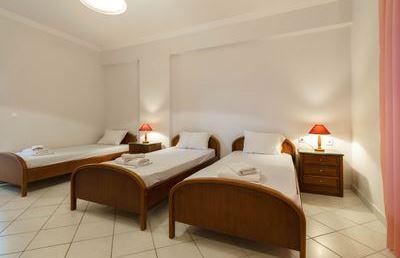 Triple Room with Balcony - Dinos Hotel